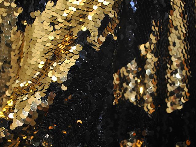 Streichel-Pailletten Gold-Black